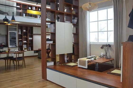 小编给大家带一些定制家具展厅的样板展示,整个展厅的设计,无一不透露图片